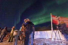 Noches desde la cubierta del barco en Noruega.